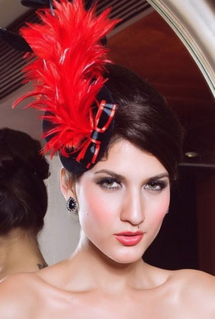 Black Mini Top Hat With Feathers